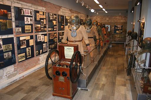 slika – muzej podvodnih dejavnosti